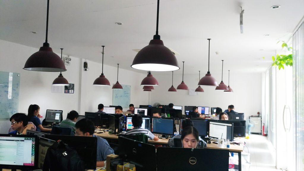 オフショア開発のメリット-オフィス内観