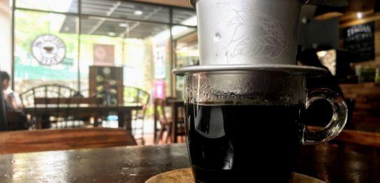 ベトナムのコーヒーチェーン店